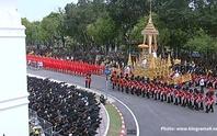 Thái Lan: Thi hài cố quốc vương được đưa vào tháp hỏa táng