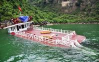 Tàu du lịch chở 31 khách Trung Quốc chìm trên Vịnh Hạ Long