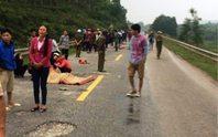 Va chạm xe tải, 2 mẹ con chết thảm