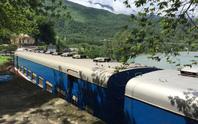 Đèo Hải Vân lại sạt lở khiến đường sắt Bắc – Nam tê liệt