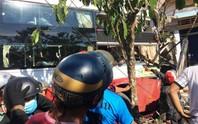 Xe Thành Bưởi - Phương Trang tông nhau, 2 người chết, hàng chục bị thương