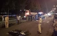 Hai xe máy tông nhau trong đêm, 3 người  nguy kịch