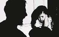 Trên đường về nhà, bé gái bị 3 thanh niên cưỡng hiếp
