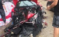 Siêu xe Ferrari 488 của ca sĩ Tuấn Hưng bị tai nạn nát đầu