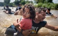 Mỹ đối phó di dân như đánh IS