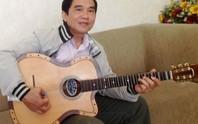 Tự hào viên ngọc cải lương 100 tuổi: Biến nhạc cụ Tây thành guitar cải lương