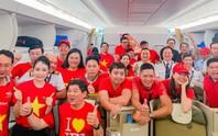 CĐV nhuộm đỏ 6 chuyến bay sang Malaysia tiếp lửa tuyển Việt Nam