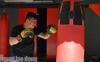 Nam vương boxing Việt sẵn sàng đấu võ sư Flores