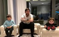 Vợ chồng Messi báo tin mừng trước đại chiến Chelsea