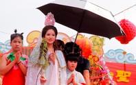Biển người đổ về Bình Dương dự lễ hội chùa Bà