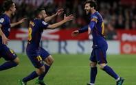 Siêu nhân Messi cứu Barcelona thoát hiểm ở Sevilla