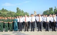 Lãnh đạo TP HCM dâng hương các anh hùng, liệt sĩ