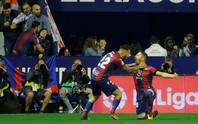 Rượt đuổi bất thành, tân vô địch Barcelona thua trận đầu tại La Liga