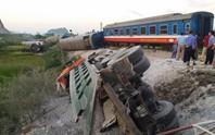 Tai nạn đường sắt kinh hoàng, ít nhất 10 người thương vong