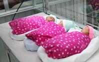 Một phụ nữ đang điều trị vô sinh bất ngờ mang tam thai