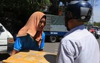 Người Hà Nội choáng váng với nắng gay gắt hơn 40 độ C