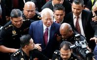 Cựu thủ tướng Malaysia ấm ức vì không được tự bảo vệ