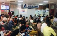 Nắng nóng, bệnh viện cắt điện phòng nhân viên để phục vụ bệnh nhân