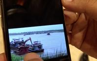 Chủ tịch Hà Nội trưng clip tàu cát tặc lộng hành cách tàu cảnh sát đường thủy 10 m