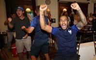 CĐV Pháp tại TP HCM ăn mừng vé bán kết sau 12 năm chờ đợi