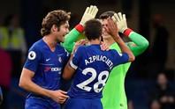Thua Chelsea, vua săn danh hiệu Emery khởi đầu tệ tại Arsenal
