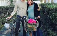 Bộ trưởng New Zealand tự đạp xe đến bệnh viện sinh con