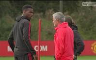Sừng sộ với Mourinho trên sân tập, Pogba bị chỉ trích