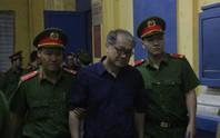 Thẩm phán ngắt lời KSV vì ông Phạm Công Danh không thể ngồi lâu