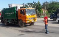 Đà Nẵng: Hết chặn xe tải, người dân lại chặn xe chở rác để phản đối ô nhiễm