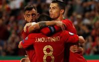 Ronaldo ghi bàn thứ 699, Bồ Đào Nha chờ chung kết sớm bảng B