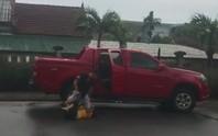 Ghen tuông, đi xe bán tải đến hành hung dã man khiến vợ cũ tổn hại 12% sức khỏe
