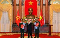 Tổng Bí thư, Chủ tịch nước trao Quyết định thăng quân hàm hai Thượng tướng quân đội