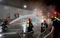 CLIP: Cận cảnh diễn tập chữa cháy quy mô lớn ở hầm sông Sài Gòn