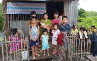 Sản phụ mới sinh và 7 cháu nhỏ thoát chết trong căn nhà cháy rụi