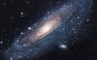 Quái vật mang tên Tiên Nữ chuẩn bị nuốt thiên hà chứa trái đất