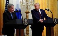 Buổi họp báo không giống ai của ông Donald Trump