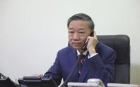 Bộ trưởng Công an Tô Lâm điện đàm với Bộ trưởng Nội vụ Anh về vụ 39 người chết