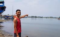 Người đàn ông vứt xe 3 gác lao xuống sông cứu 5 cháu nhỏ đuối nước