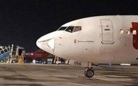 Thủ tướng yêu cầu cấm phương tiện bay siêu nhẹ sát sân bay sau các sự cố máy bay bị móp mũi