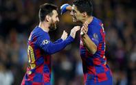 Messi thăng hoa trận 700, Barcelona vượt vòng bảng Champions League