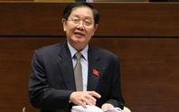 Bộ trưởng Lê Vĩnh Tân đang trả lời chất vấn về công tác tổ chức, cán bộ