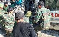 Xe chở đoàn từ thiện tông vách núi: Nạn nhân thứ 3 - thanh niên 20 tuổi tử vong