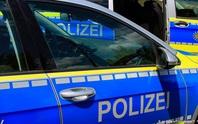 Nhờ tiếng đập cửa container, 11 người di cư suýt chết ngộp được cứu