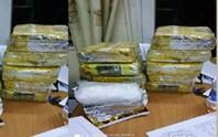 Trinh sát giăng lưới bắt quả tang kẻ vận chuyển 10 kg ma túy đá