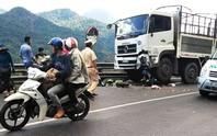 Đổ đèo Bảo Lộc, 1 phượt thủ mắc kẹt dưới bánh xe tải