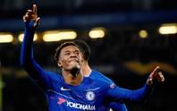 Phản đồ Chelsea lên tuyển Anh ở tuổi 18