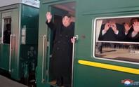 Ông Kim Jong-un lên tàu tới Việt Nam cùng em gái