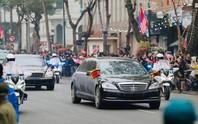 Cận cảnh đoàn xe Chủ tịch Triều Tiên Kim Jong-un đi trên phố Hà Nội