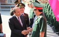 Thủ tướng xông đất Bộ Chỉ huy quân sự TP Đà Nẵng