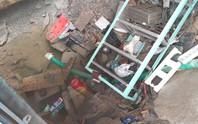 TP HCM: Vỡ đường ống dẫn nước tạo hố tử thần giữa nhà dân